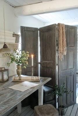 Decorar con puertas antiguas, biombos.