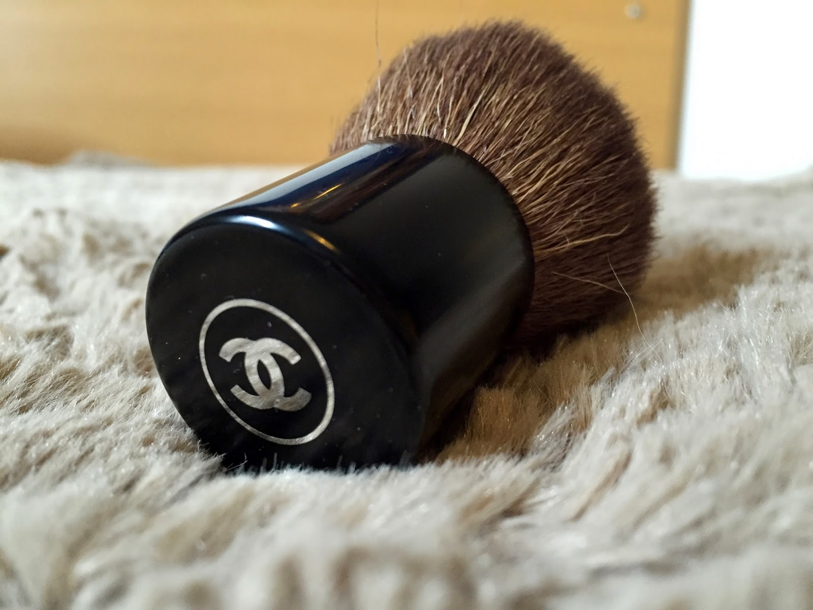 chanel, chanel brush, chanel brush review, chanel touch up review brush, touch up brush review,