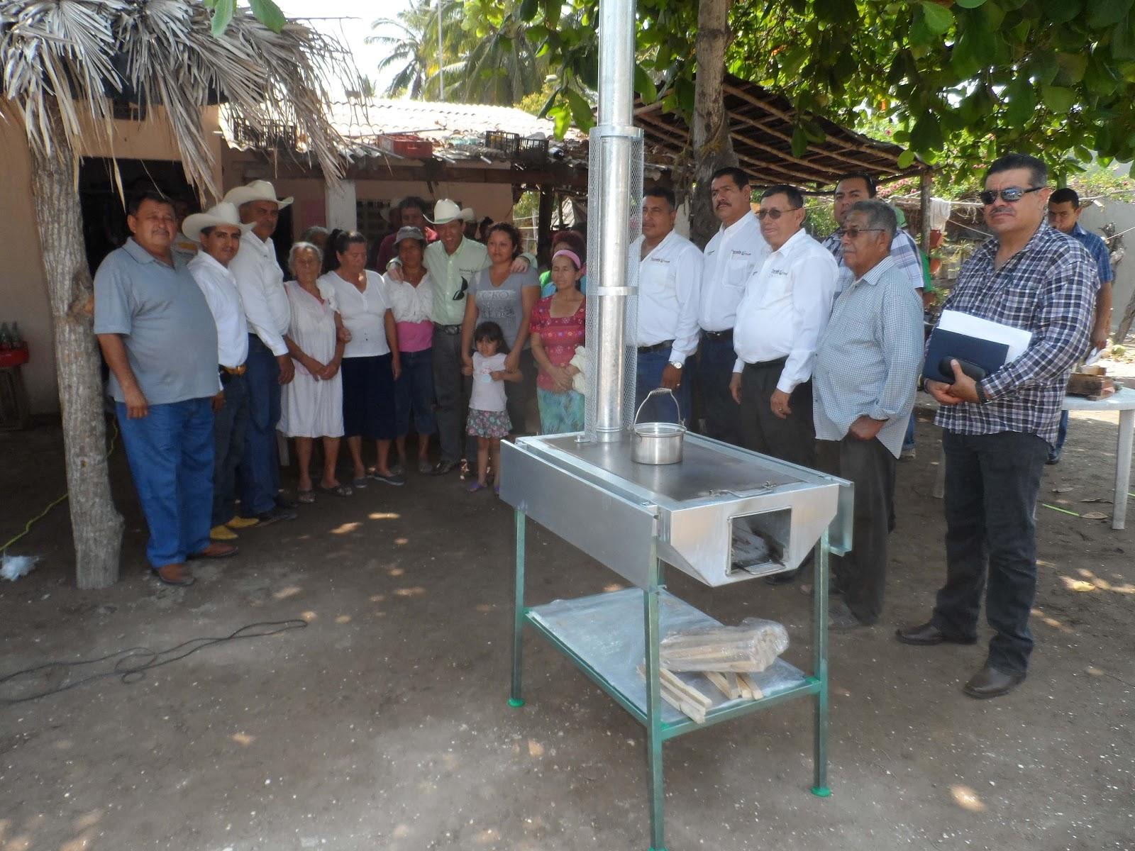 El gobierno de tecuala que preside rub n ben tez rodr guez for Estufas ecologicas con chimenea