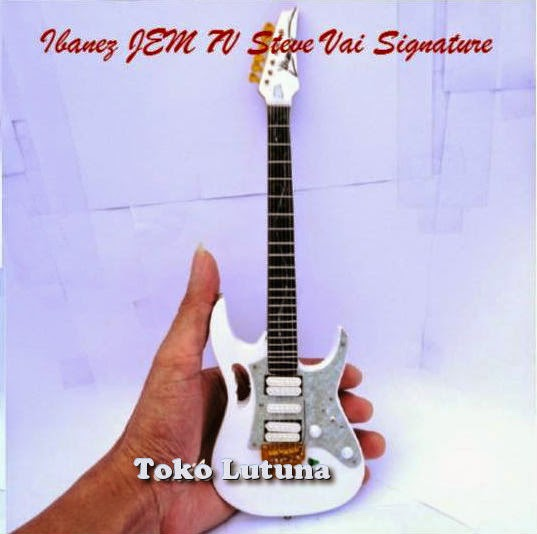 Kado ulang tahun | kado pernikahan | souvenir | merchandise | miniatur gitar |