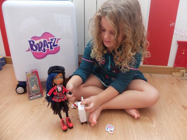 Muñecas Bratz Study Abroad - Blog infantil Mama de Noa