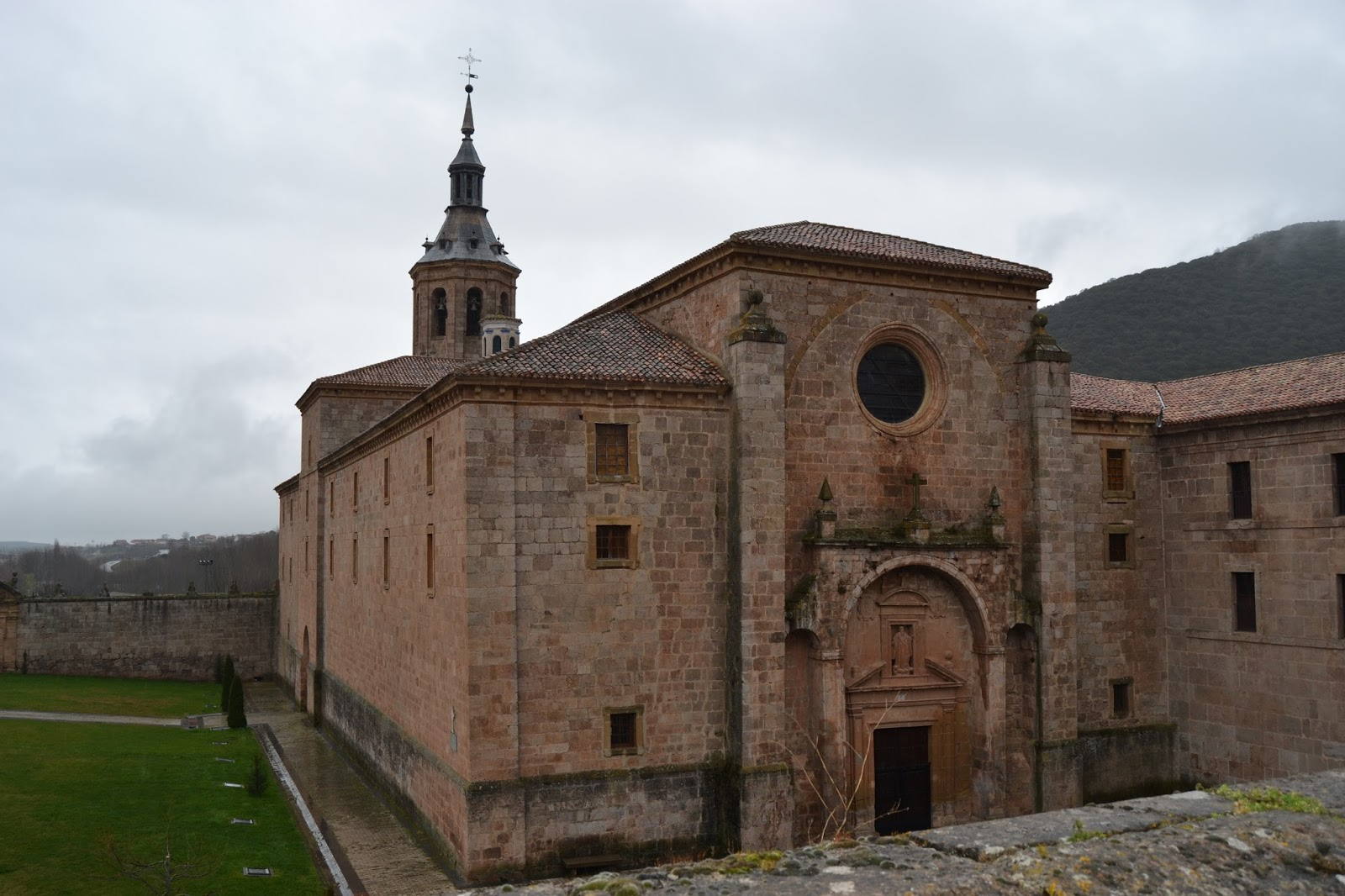 Monasterio de Yuso. Guía de viaje de La Rioja Alta. Tu Maleta.