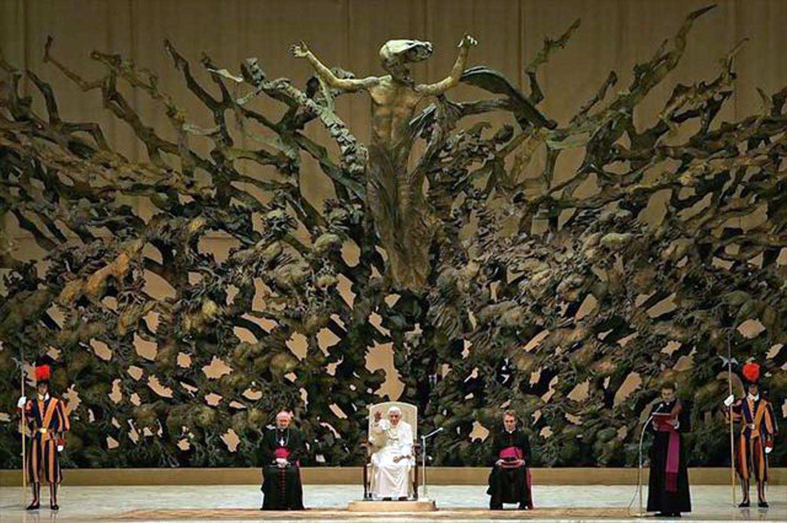 sculpture_vatican1.jpg