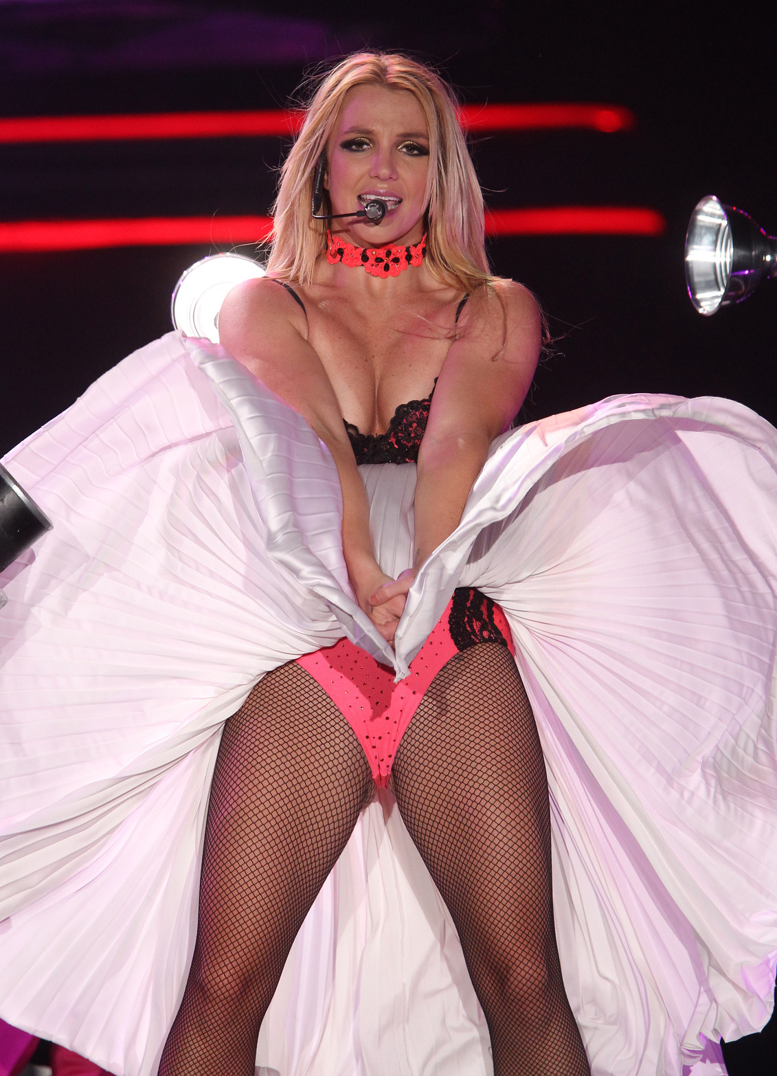 Hot 3 Britney Spears H...