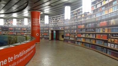 Biblioteca Digital na estação de Metro de Bucareste