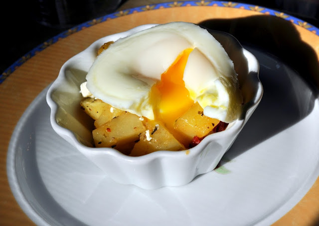 Fried Egg and Home Fries with Sun-Dried Tomatoes at Beazley House - Napa, CA | Taste As You Go