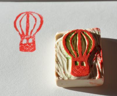 sello globo aerostático hecho con goma de borrar