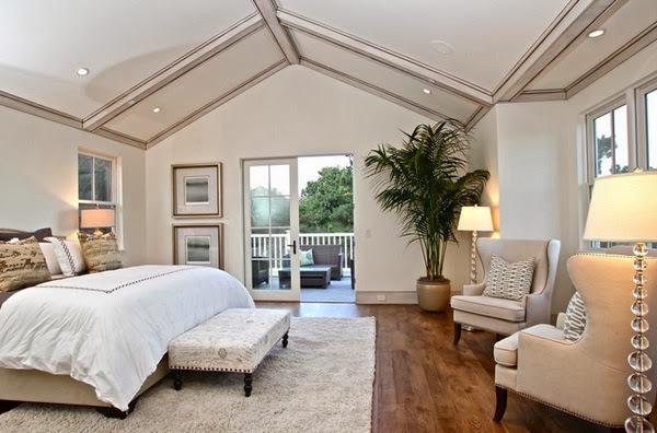 chambre plafond en pente. Black Bedroom Furniture Sets. Home Design Ideas