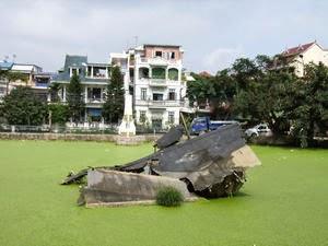B52 wreckage in Ngọc Hà village