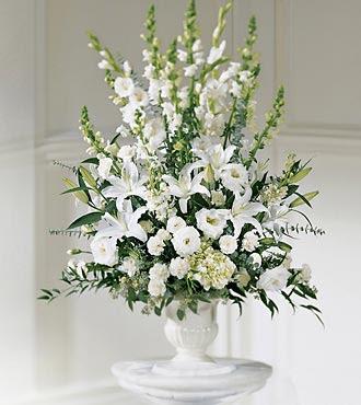 Beautifull Flowers 2011 White Wedding Flower Arrangements
