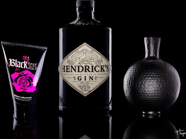 fotografía de productos oscuros sobre fondo negro