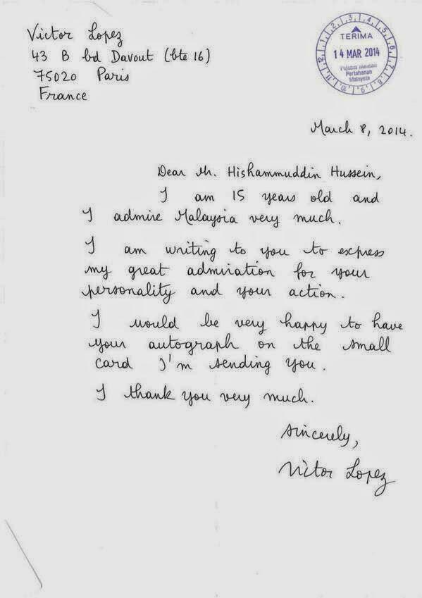 Hishammuddin Menerima Surat Peminat Dari Pelajar Perancis
