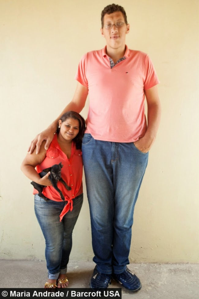 Lelaki Gergasi Dari Brazil Akhirnya Temui Gadis Idaman