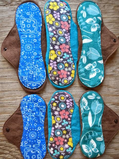 reusable medium heavy flow mama cloth menstural moon pads