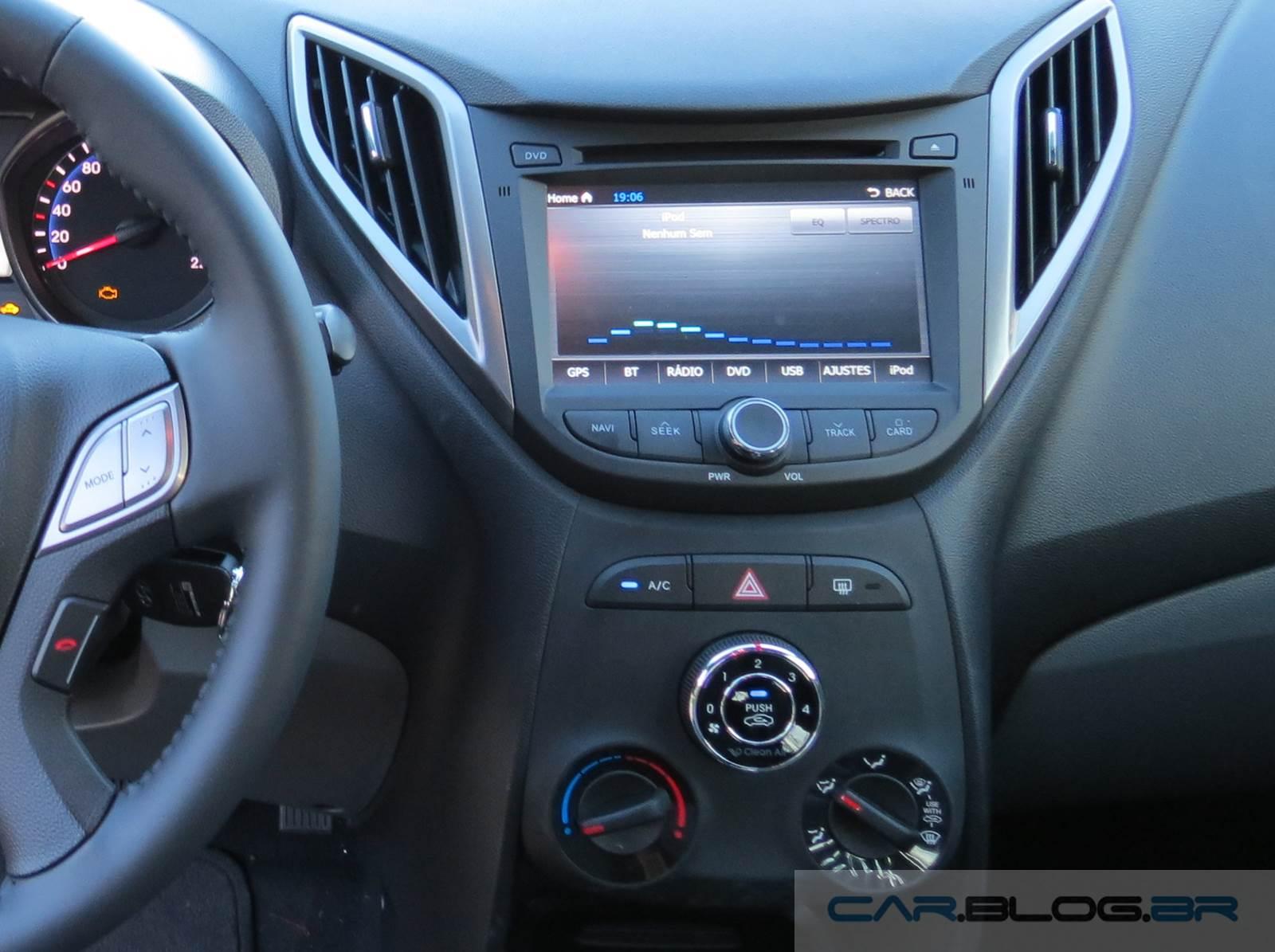 Hyundai HB20 1.6 Automático - interior - central multimídia