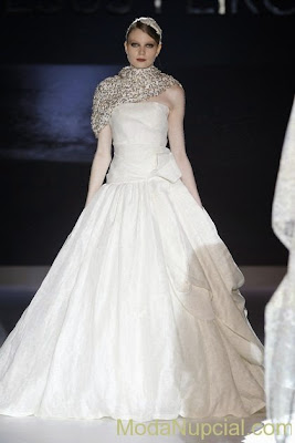 vestido-novia-jesus-peiro