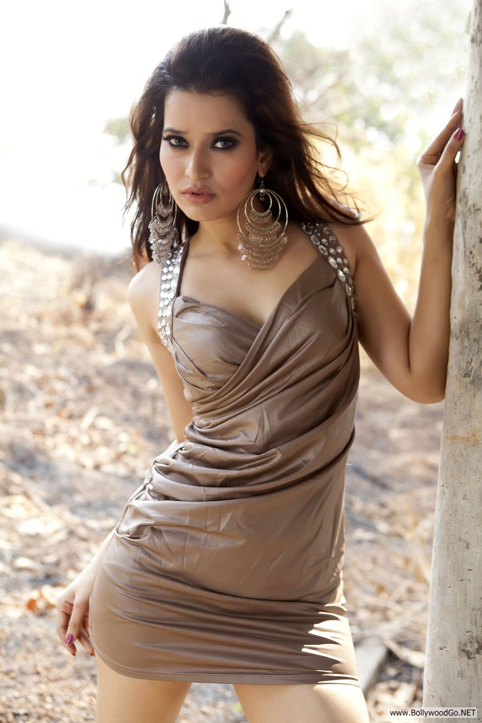 Jiya Chauhan hot -  Jiya Chauhan Hot Pics - Photoshoot 2012