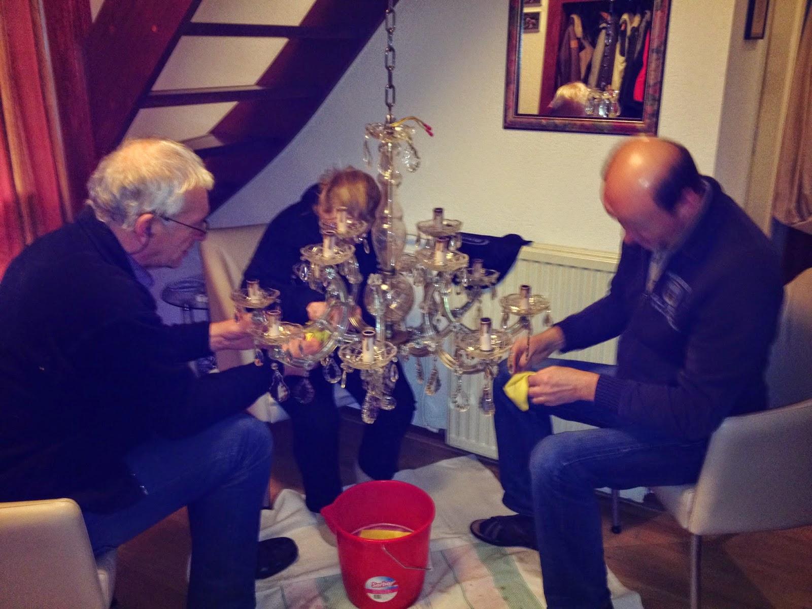 Doktorsvillan solstr len april 2014 for Kristallen kroonluchter schoonmaken