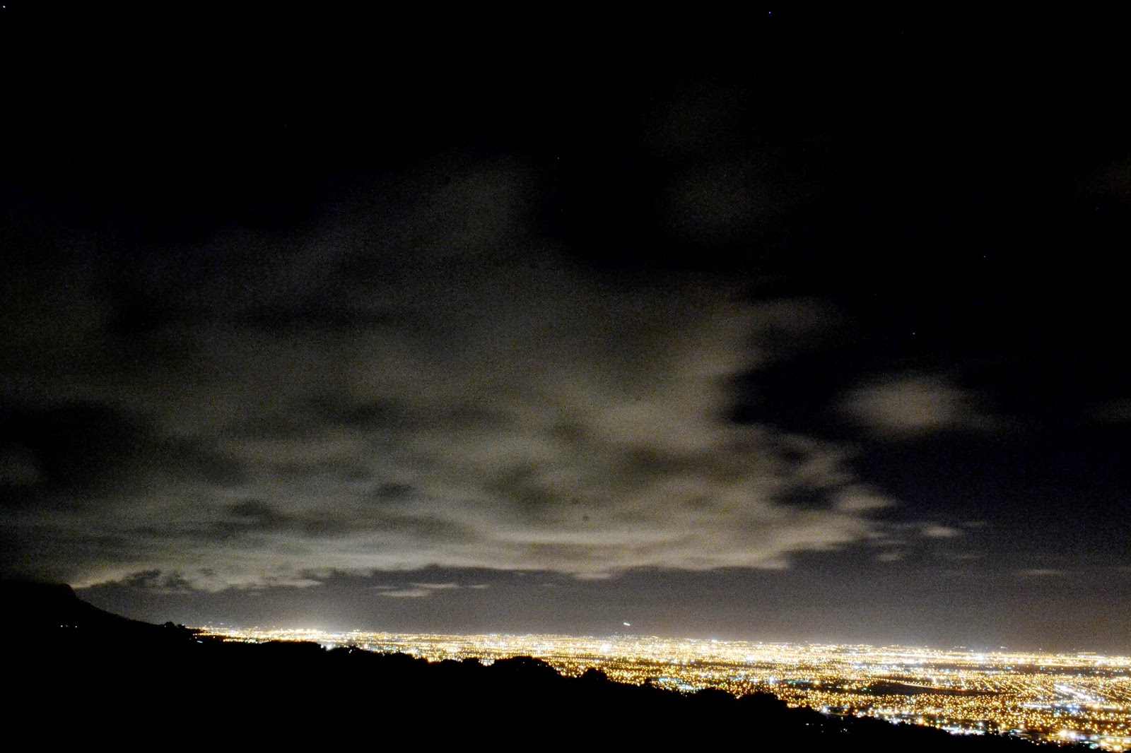 View from Ou Kaapse Weg at night