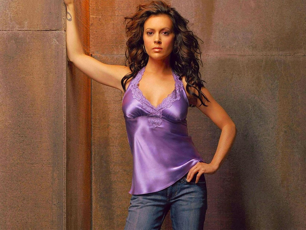 Angelina Jolie Hd Hot Wallpapers 2013: Alyssa Milano Fresh HD ...