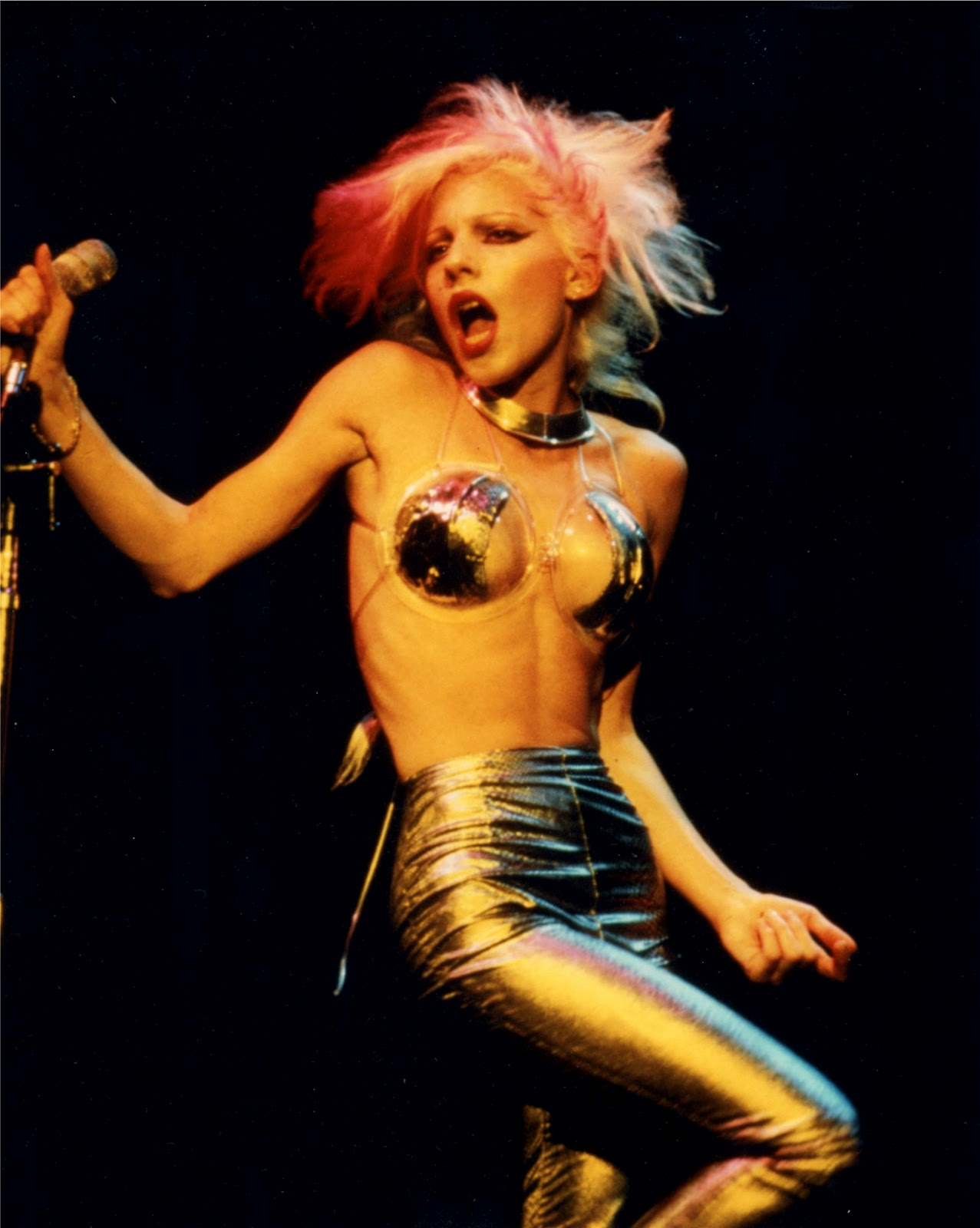 Interesting Dale bozzio pornpics apologise, but