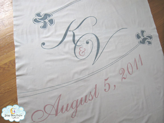 Kate 39s beautiful wedding aisle runner in muted tones of gray and dusty pink