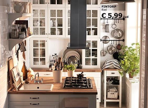 Entre barrancos decoraci n peque a cocina con muebles for Cocinas completas ikea