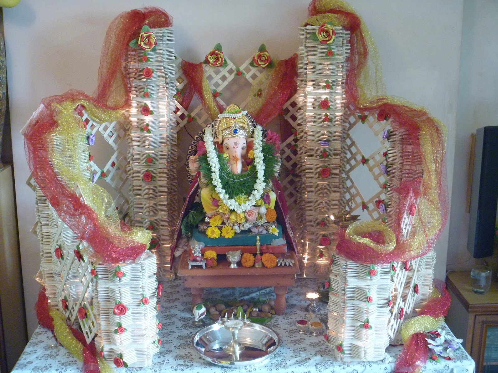 Ganpati decoration indian customs pinterest decoration for Decoration ganpati