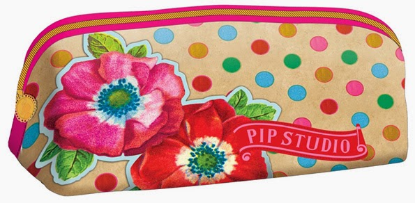 Poetry Pencilcase Triangle © PIP Studio