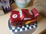 Disney McQueen cake