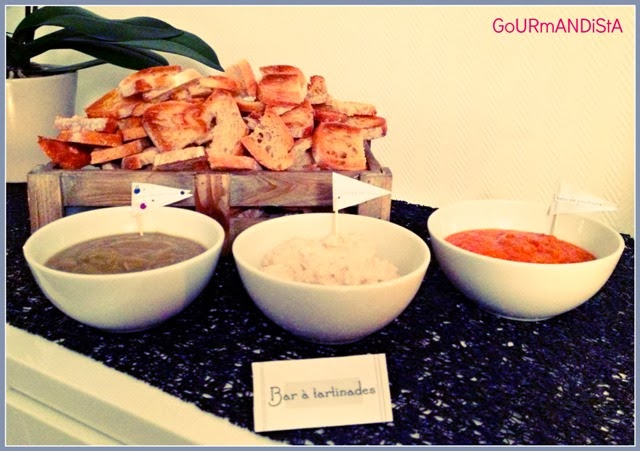 image Bar à tartinades : caviar d'aubergines, rillettes de thon et pesto de poivrons