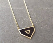 Anne Thomas Code promo collier