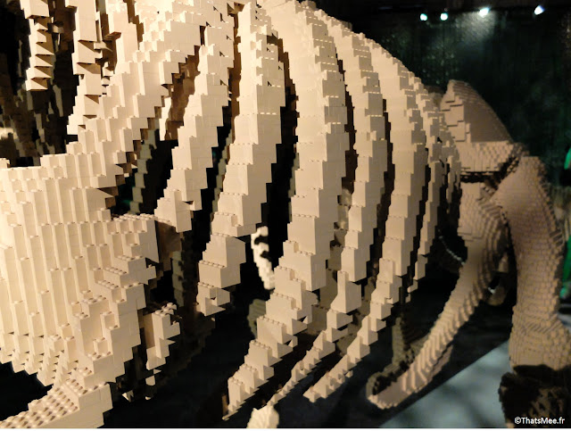 dinosaure squelette en Lego by Nathan Sawaya expo The Art Of Brick Porte de Versaille Paris