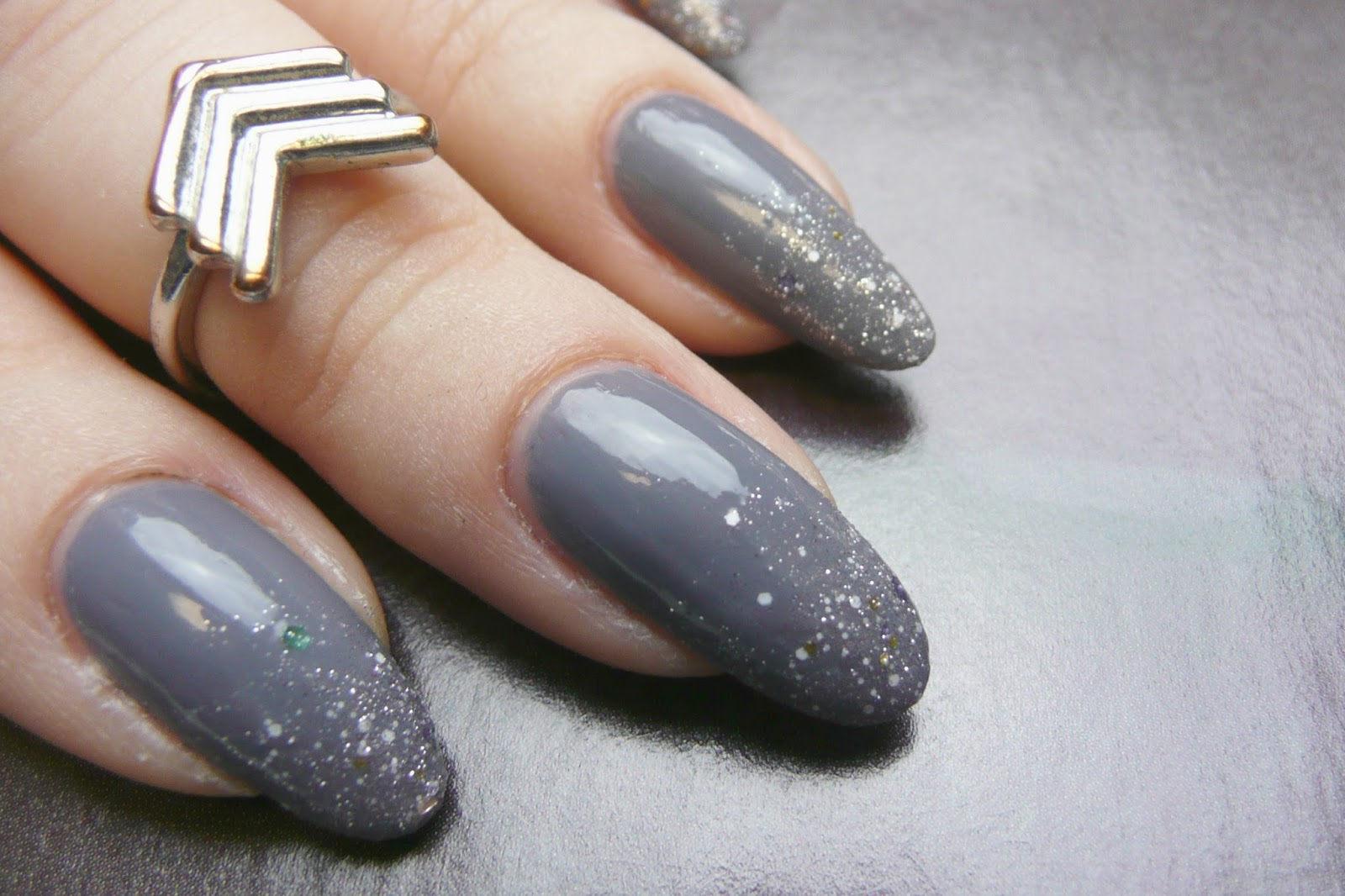 Gray Nail Polish With Sparkles | Best Nail Designs 2018