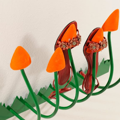shoe rack shaped like tulip buds
