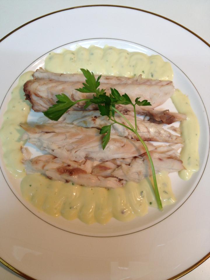 La cocina de picu lubina salvaje a la sal con salsa for Salsa para lubina a la sal