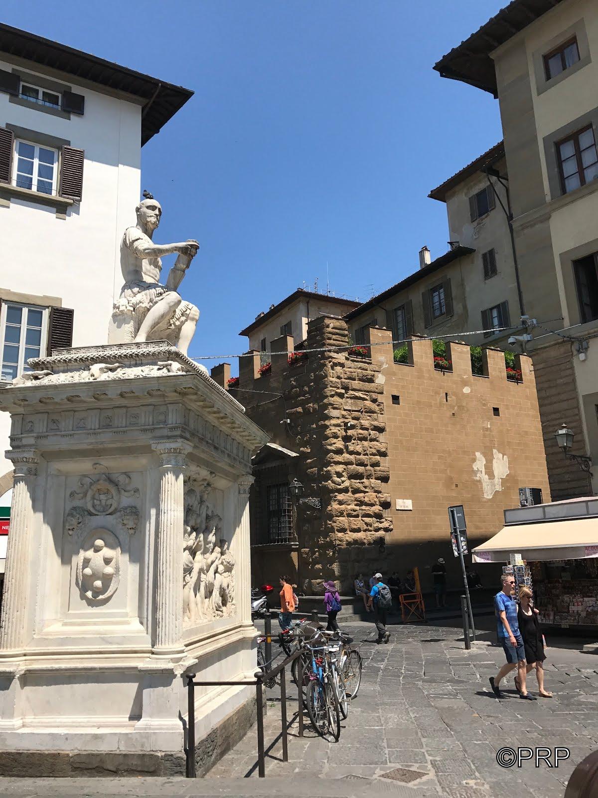 Palazzo Medici da Piazza San Lorenzo