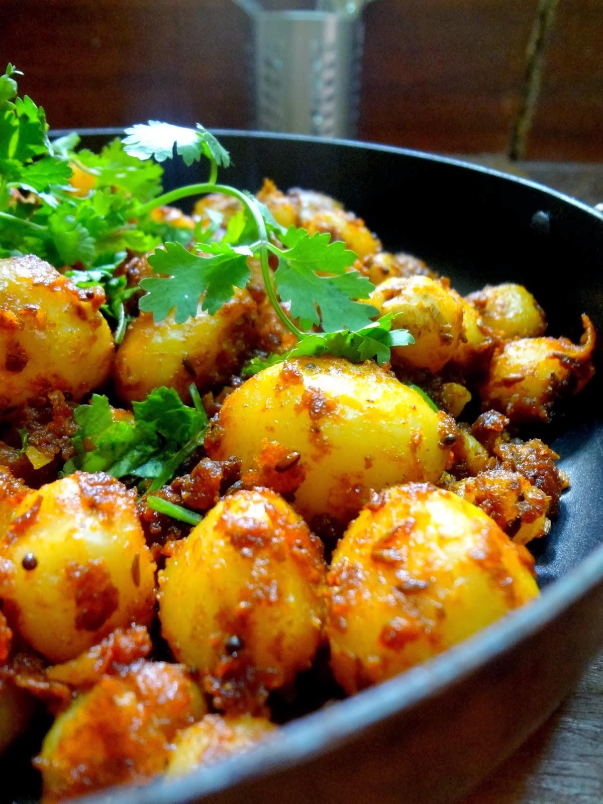 Your Everyday Cook: Spicy Jeera Aaloo ( Baby potatoes ...