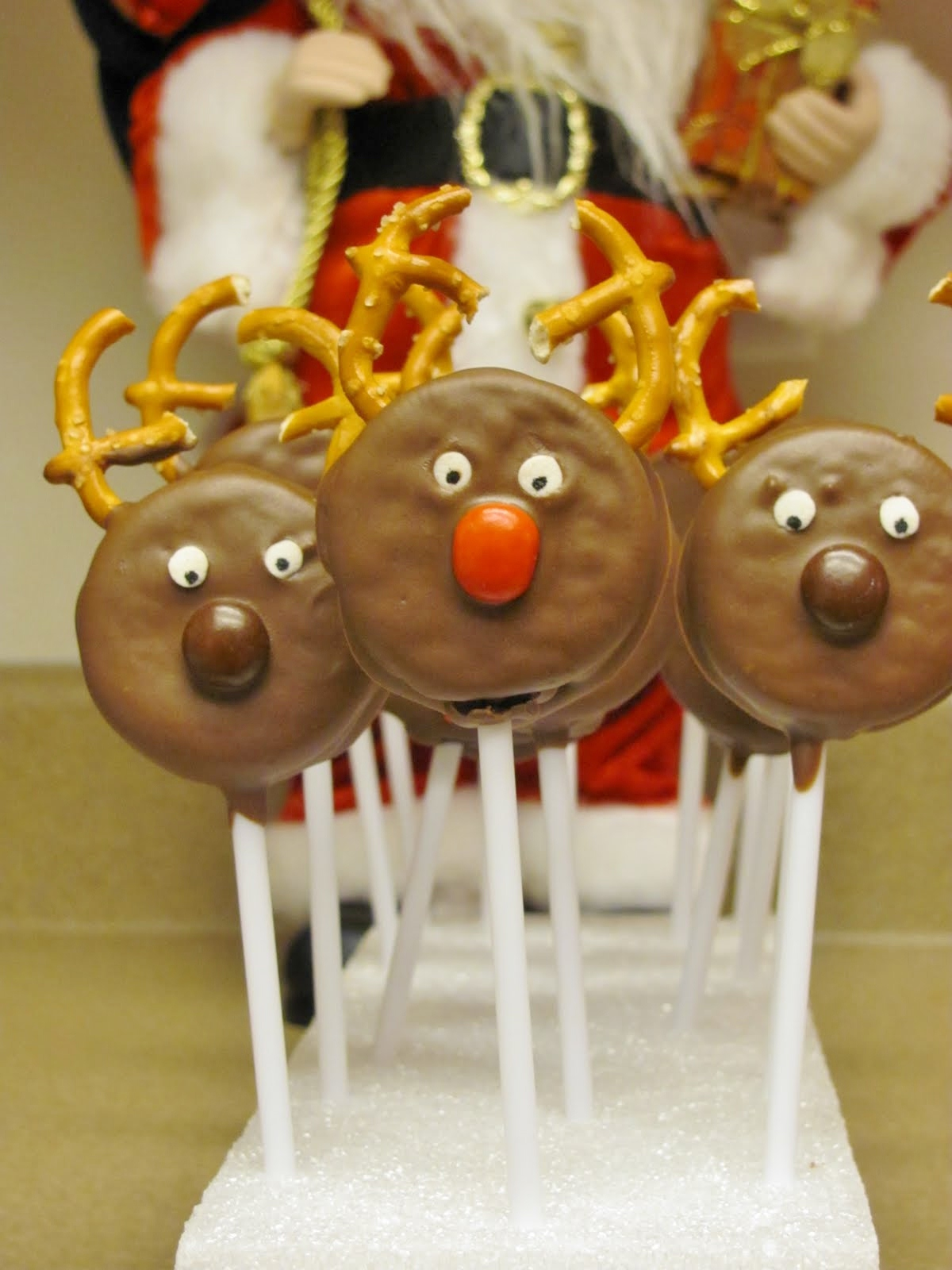Cute food for kids 37 edible reindeer crafts for Easy christmas food crafts