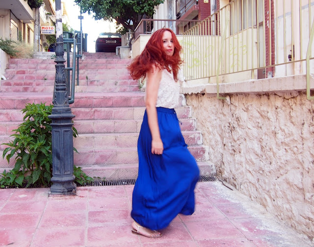 lace,white,top,shirt,blue,maxi,skirt,h&M,spotlights on the redhead,redhead