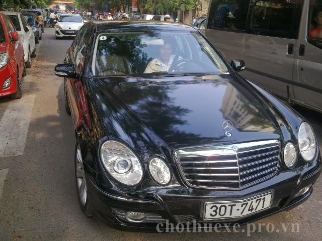 Cho thuê xe 4 chỗ Mercedes E280 VIP tại Hà Nội