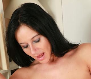 hot brunette milf hd photo