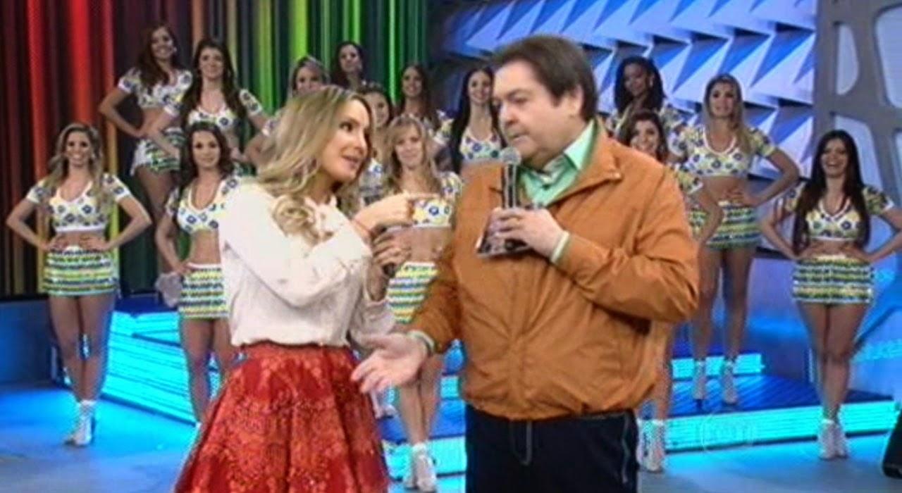 Claudia Leitte é elogiada por Fausto Silva
