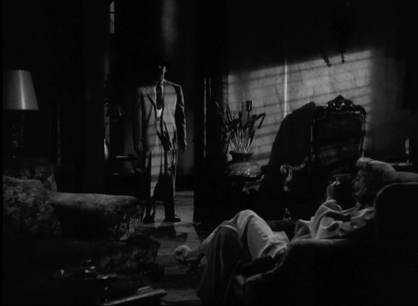 Fred MacMurray and Barbara Stanwyck star in Double Indemnity