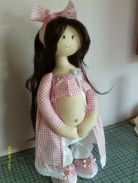 Boneca de pano grávida