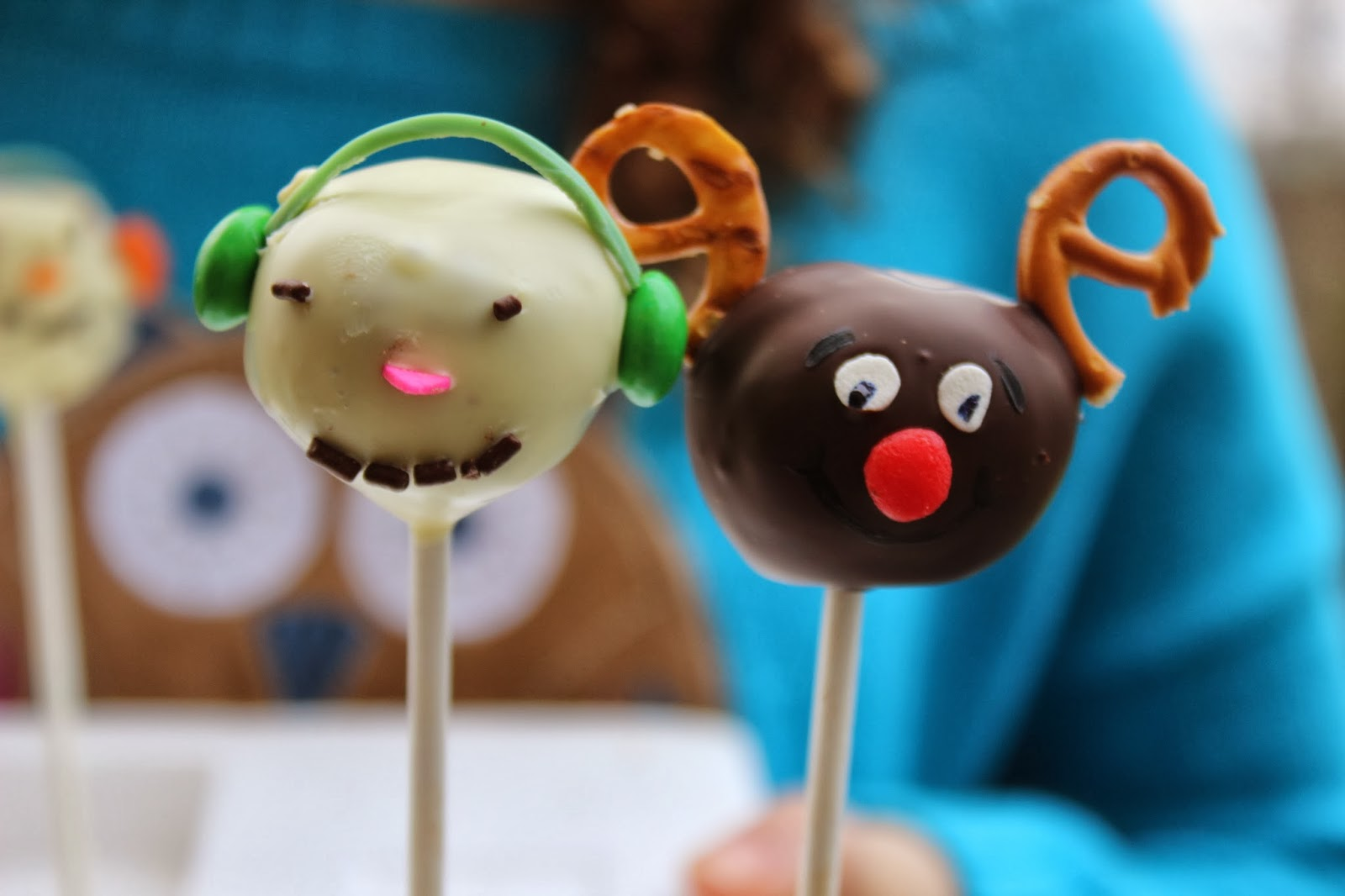 how to make reindeer christmas cake pops