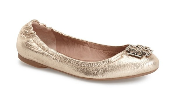 Buy Tory Burch Minnie Travel Ballet Flats in Black and other Flats at coolninjagames.ga Our wide selection is eligible for free shipping and free returns.