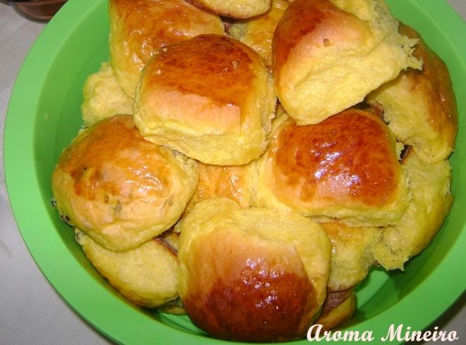 fácil de Fazer Pão de abóbora com doce de leite Receitas