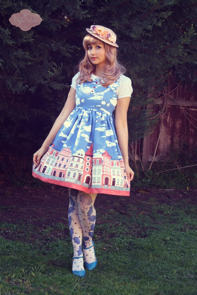 Innocent world cesky krumlov kawaii lolita japanese fashion eine lilie printed tights cute pastelgoth pastel fashion felissimo syrup jfashion tokyo asian fashion chiffon rose shop