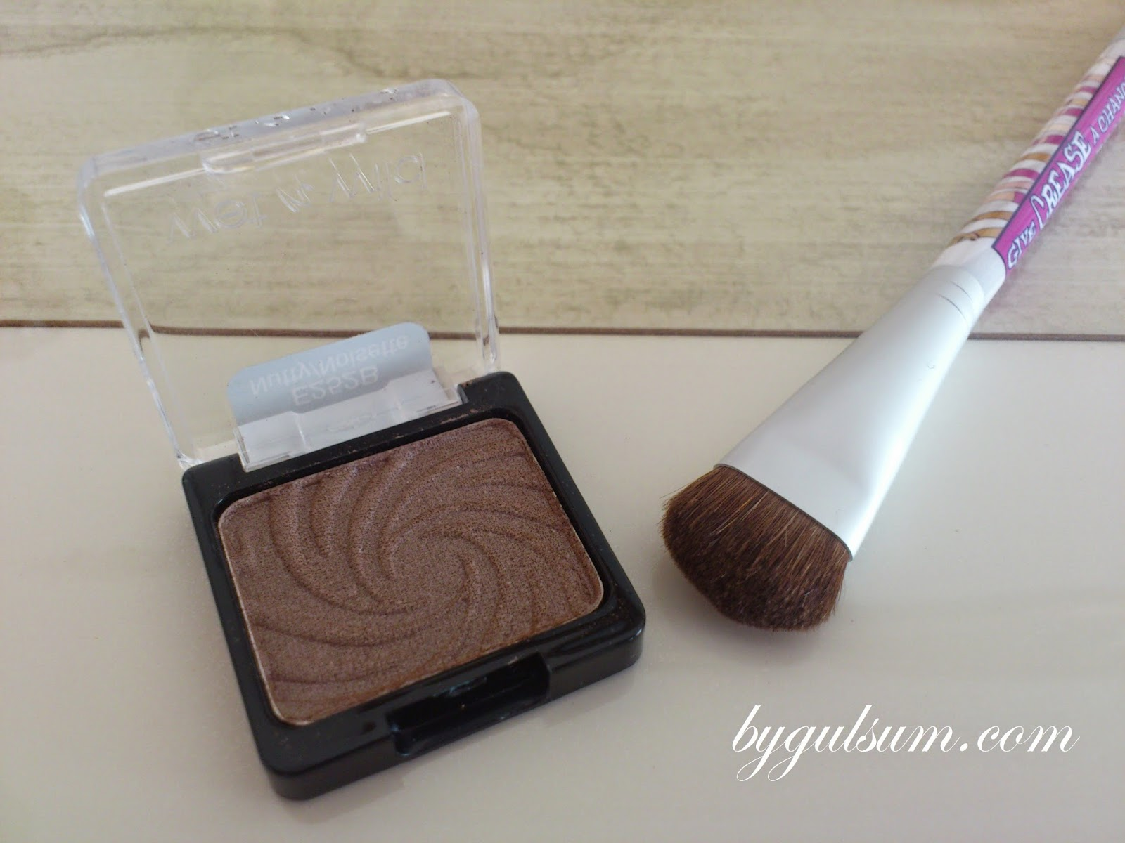 Wet n Wild Nutty / Noisette